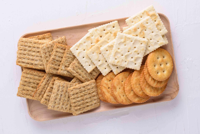 """Cracker"""